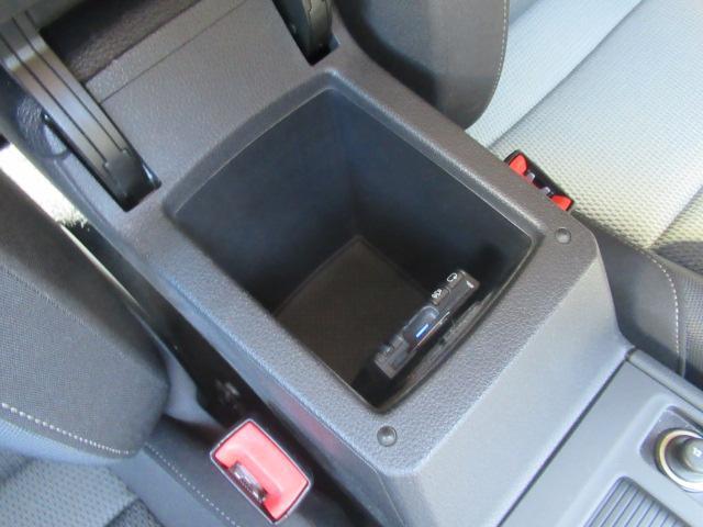 TSIコンフォートラインブルーモーションテクノロジー アダプティプクルーズコントロール ポータブルナビ バックカメラ ミュージックプレーヤー接続可 ワンオーナー 記録簿 運転席&助手席&サイドエアバック 横滑り防止装置 ABS アイドリングストップ(38枚目)