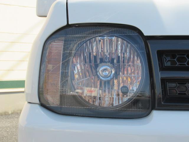 XC 4WD 5速MT 背面タイヤ 純正アルミ 純正CDデッキ キーレス 運転席&助手席エアバック ABS 衝突安全ボディー エアコン パワーウィンドー(16枚目)