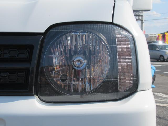 XC 4WD 5速MT 背面タイヤ 純正アルミ 純正CDデッキ キーレス 運転席&助手席エアバック ABS 衝突安全ボディー エアコン パワーウィンドー(17枚目)