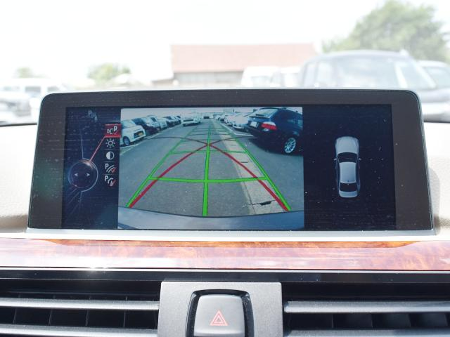 駐車の際、バックカメラがあれば運転に自信が無い方もこれで安心です。一度使うと手放せなくなる装備です!