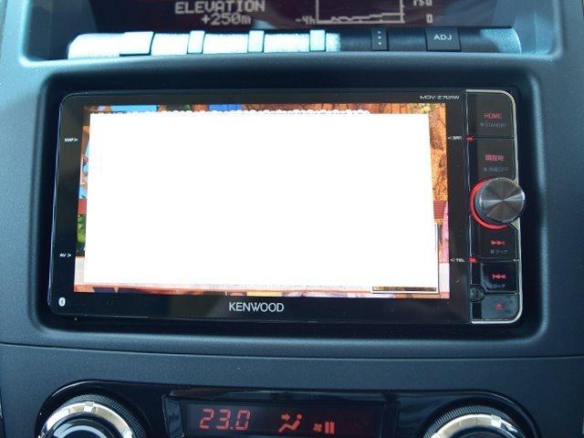テレビ付きなので車内を楽しくさせてくれる一台です!