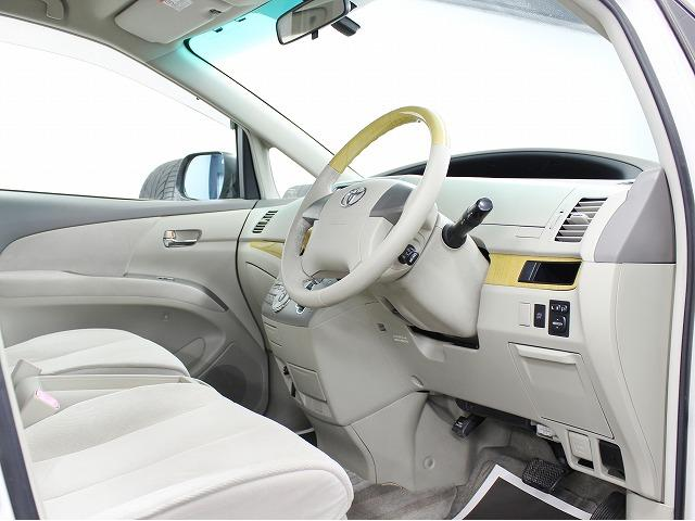 トヨタ エスティマ G 両側電動S HDDナビ新品AW4連LEDイカリングライト