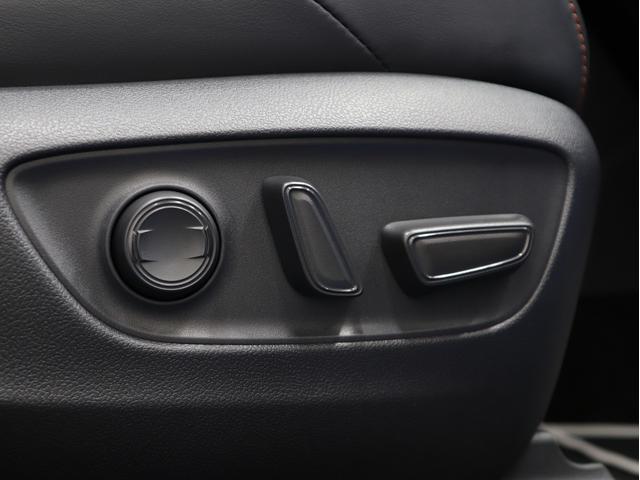 アドベンチャー 黒レザーシート リフトアップ 17インチ新品アルミ 新品TRDガーニッシュ KADDIS製オーバーフェンダー フォグLED(40枚目)
