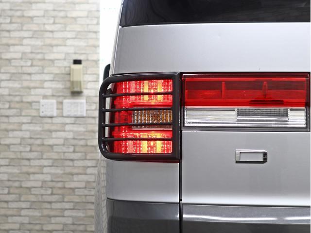 シャモニー 4インチボディーリフトUP 1オーナー 両側電動パワーS Fダウンモニター 新品AW JAOSフロントスキッドバー ルーフキャリア リアラダー ヒッチキャリア ベッドキット サブバッテリー 8人乗り(20枚目)