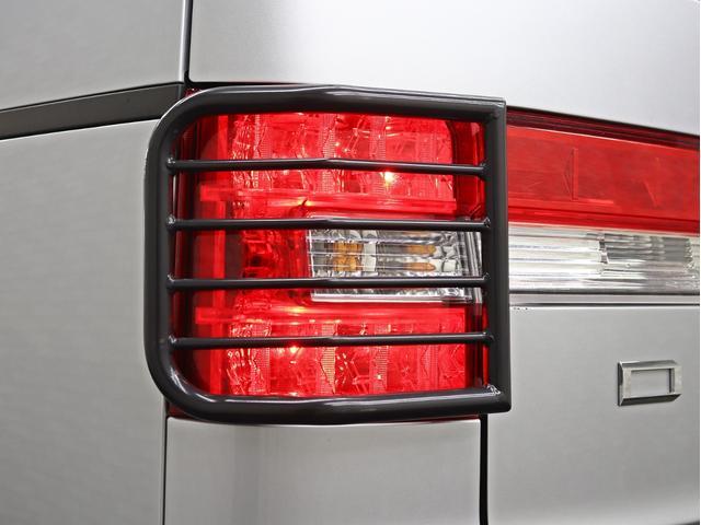 シャモニー 4インチボディーリフトUP 1オーナー 両側電動パワーS Fダウンモニター 新品AW JAOSフロントスキッドバー ルーフキャリア リアラダー ヒッチキャリア ベッドキット サブバッテリー 8人乗り(22枚目)