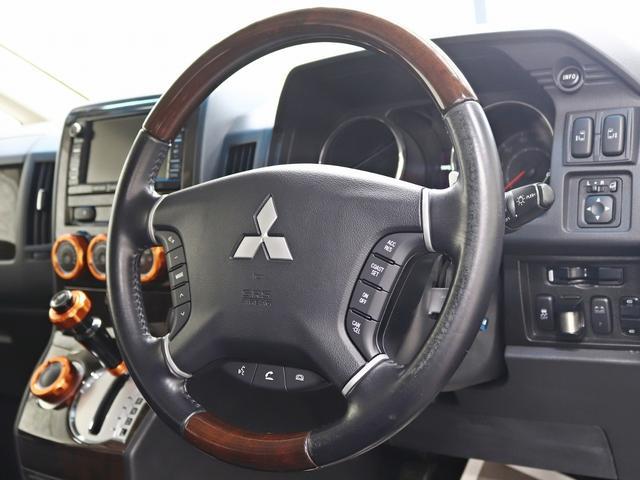 シャモニー 4インチボディーリフトUP 1オーナー 両側電動パワーS Fダウンモニター 新品AW JAOSフロントスキッドバー ルーフキャリア リアラダー ヒッチキャリア ベッドキット サブバッテリー 8人乗り(40枚目)