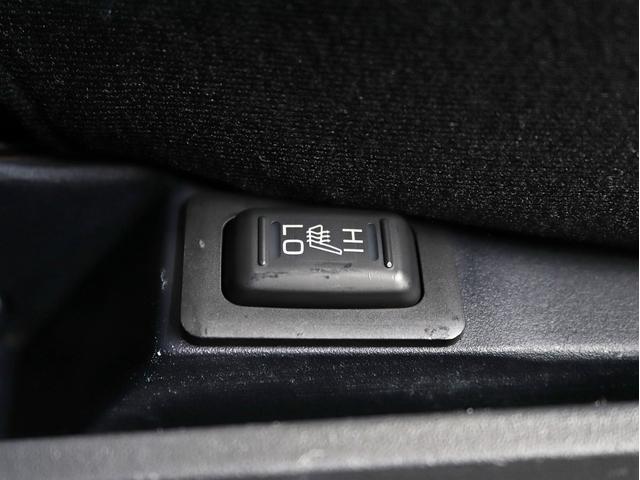 シャモニー 4インチボディーリフトUP 1オーナー 両側電動パワーS Fダウンモニター 新品AW JAOSフロントスキッドバー ルーフキャリア リアラダー ヒッチキャリア ベッドキット サブバッテリー 8人乗り(49枚目)