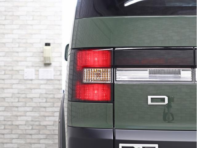 G パワーパッケージ 1オーナー 両側電動パワーS KADDISエアロボンネット 4インチリフトアップ JAOSオーバーフェンダー 16インチ新品アルミホイール LEDイカリングヘッドライト 8人乗り 4WD(19枚目)