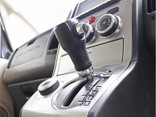 G パワーパッケージ 1オーナー 両側電動パワーS KADDISエアロボンネット 4インチリフトアップ JAOSオーバーフェンダー 16インチ新品アルミホイール LEDイカリングヘッドライト 8人乗り 4WD(29枚目)