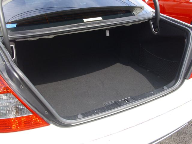 メルセデス・ベンツ M・ベンツ E300 アバンギャルドS AMGスポーツパッケージ
