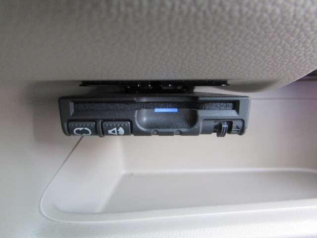 G・Lパッケージ メモリーナビ リアカメラ フルセグTV CD DVD CD録音機能付き Bluetooth ETC 禁煙 ワンオーナー 14インチアルミホイール HIDヘッドライト フォグライトシートヒーター(6枚目)