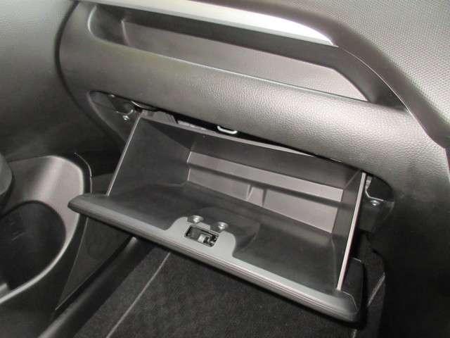 RS 純正CDコンポ ディスチャージヘッドライト フォグライト 16インチアルミホイール スマートキー ドアバイザー 禁煙 ワンオーナー(14枚目)