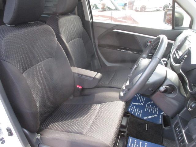 【フロントシート】座り心地の良いシートで買い物から通勤まで快適☆