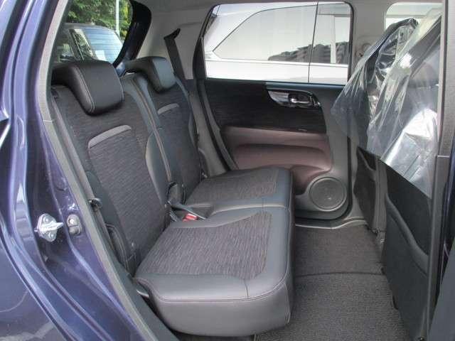 プレミアム ツアラー4WD ディスプレイオーディオ ETC シートヒーター(10枚目)