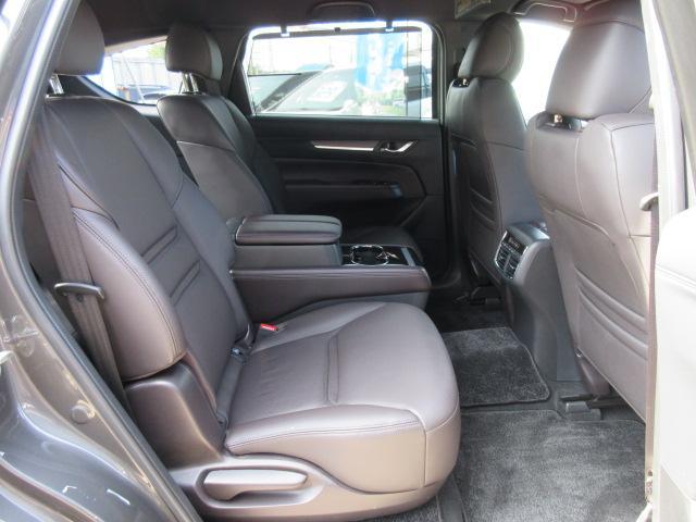 XD Lパッケージ 4WD ワンオーナー車・ブラウン本革シート・シートヒーター・ステアリングヒーター・左サイドカメラ・バックカメラ・リアコーナーセンサー・SCBS・BSM・メモリーシート・アルパインフリップダウンモニター(16枚目)