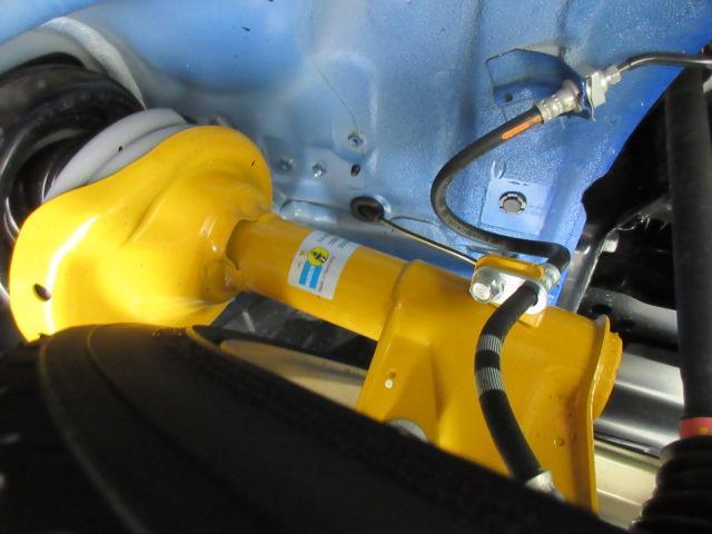 STI EJ20ファイナルエディション・最終型・555台限定抽選車・特別仕様車・ワンオーナー車・走行500km・レカロ半革・大型リアスポ・専用19ゴールドアルミ・8型ナビTV・フロント&左サイド・Bカメラ(6枚目)