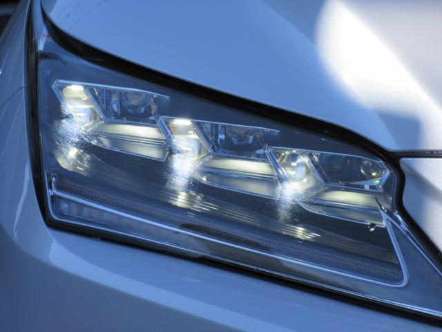 LED3眼ヘッドライト付き♪高級感もあり明るく照らしてくれます♪