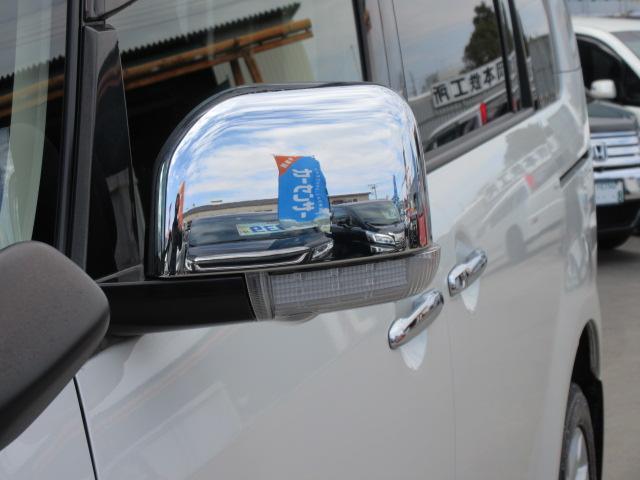 専用メッキドアミラー付き♪ 純正ウィンカーミラー付き♪ 視認性もよく、安全性もあります♪ エクステリアとしても人気の高い装備になります♪