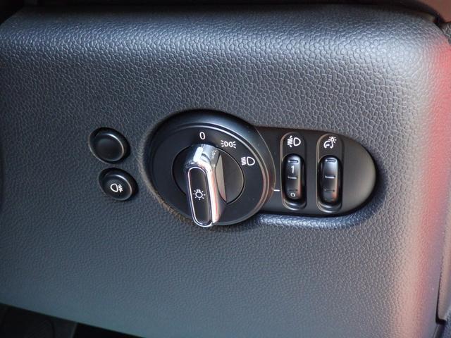ワン 5ドア 1オーナー 純正ナビ スマートキー シートヒーター 前後ドライブレコーダー ETC アイドリングストップ AUX USB Bluetooth  musicコレクション(30枚目)