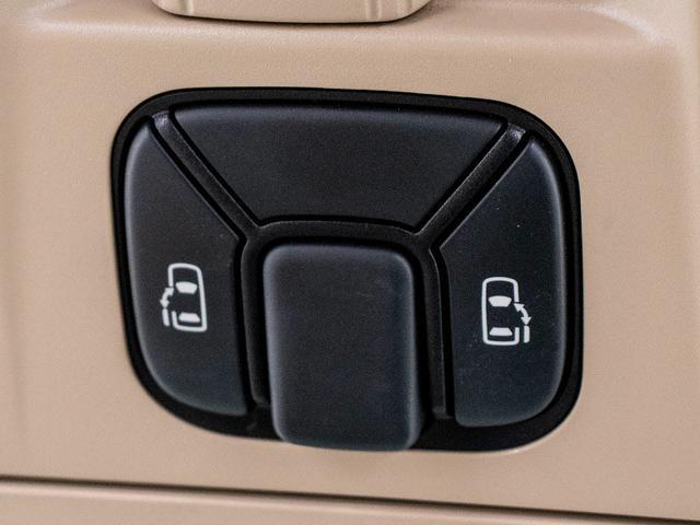 V HDDナビ地デジ リアモニター 両側自動ドア 禁煙車(3枚目)