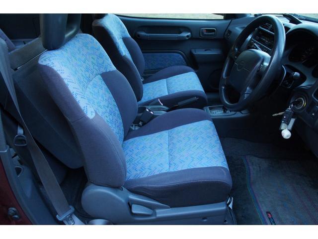 トヨタ RAV4 J ナビ 4WD バックタイヤ