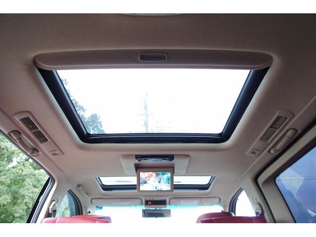 【ダブルサンルーフ】室内の明るさと普段と違ったドライブが楽しめます☆