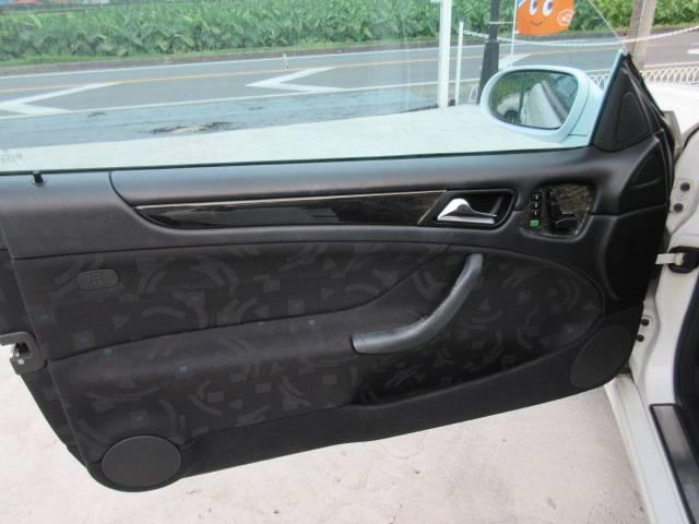 メルセデス・ベンツ M・ベンツ CLK200 アバンギャルド ナビ Pシート 右ハンドル