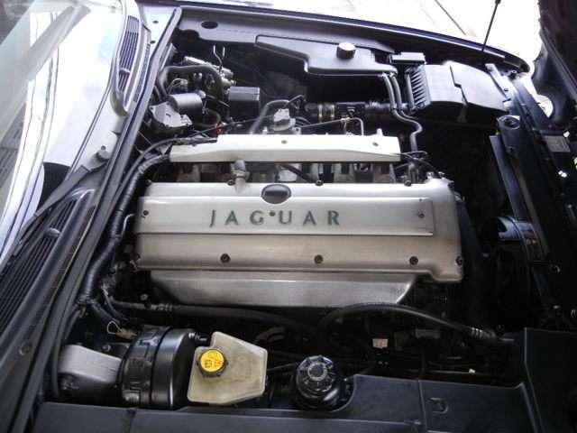 ジャガー ジャガー XJ6-3.2S