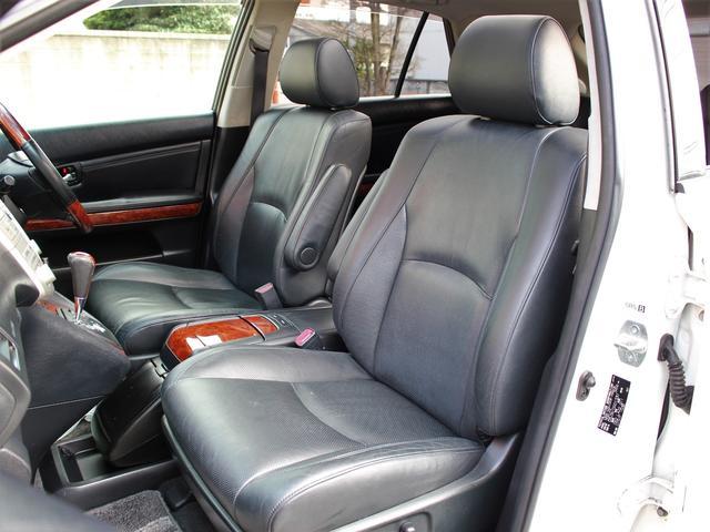 トヨタ ハリアー AIRS HDD Wサンルーフ 黒本革 HVバンパー