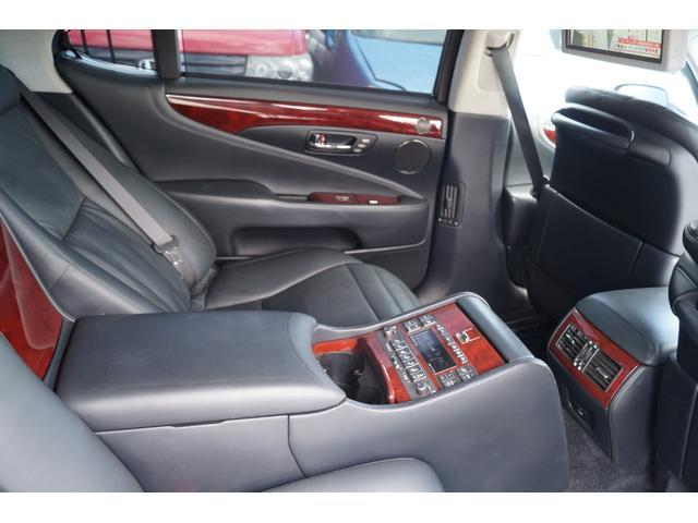 LS600hL後席セパレートシートパッケージ(16枚目)