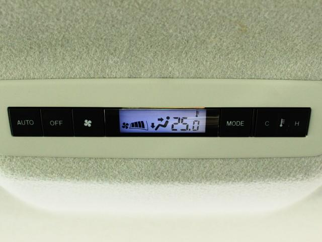 デュアルオートエアコン&リアオートエアコン搭載!どの席でも快適な空調で過ごせます♪
