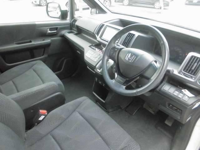 ホンダ ステップワゴンスパーダ Z 純正インターナビ両側電動後席モニター