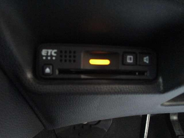 13G・F 純正ナビ バックカメラ 前後ドラレコ オートリトラミラー フロアマット Bluetooth オートエアコン スマートキーシステム フルセグTV ミュージックプレイヤー接続可 LEDヘッドライト(11枚目)
