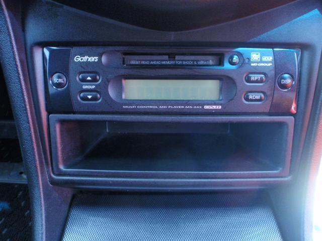 オプションMDプレーヤー付 もちろんラジオも効けます。別途料金でナビゲーションの取り付けも承ります。