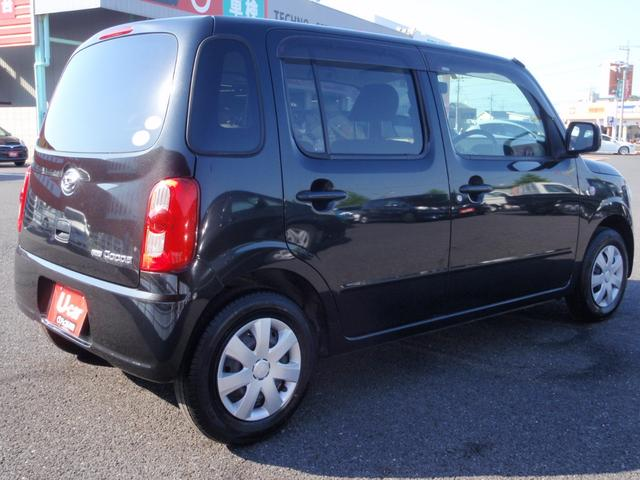 黒のミラココアはとても人気です。 楽しいドライブはいかがですか?