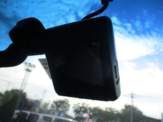 G プレミアムエディション ナビ Bカメラ DTV Bluetooth対応 リア席モニター 両側パワスラ ハーフレザーシート(18枚目)