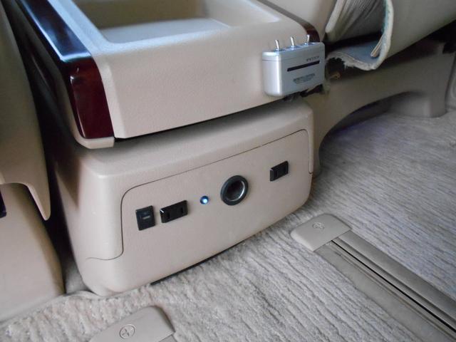 2.4V エアロ 車高調&18AW HDDナビ 両自動D(17枚目)