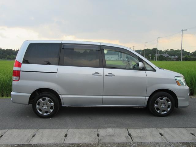 トヨタ ノア X 4WD DVDナビ・ETC