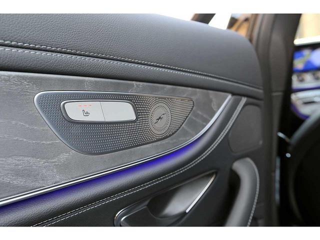 後席シートヒーターが装備され、寒い時期に後席にお乗りの方を温めてくれます!