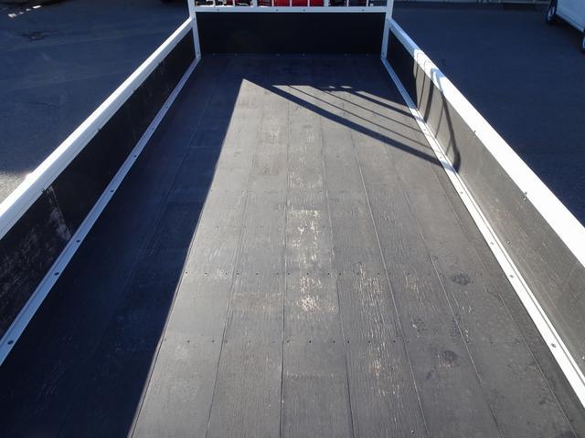 IDLE UP…発進時にアイドリング回転数が上昇 100L燃料タンク ハロゲンヘッドランプ・フォグランプ