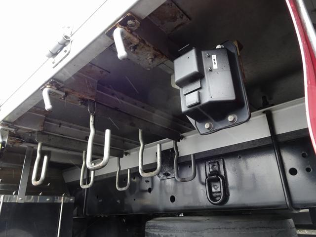クレーン付 3段 標準幅 ベッド付 リアエアサス 240馬力(18枚目)