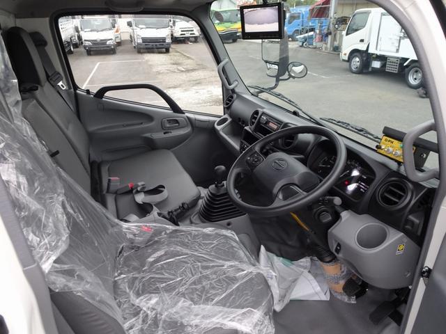 VSC/TRC…車両安定性制御システム カラーバックカメラ・モニタ LEDヘッドランプ・LEDフォグランプ