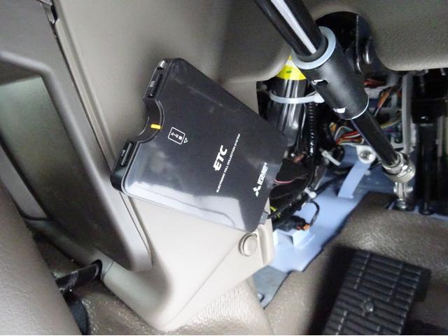 ★デュオニック(AT)/2.99L/150PS ★左側自動スイング扉/アクセルインターロック付 ★トレー式荷物棚/オートクーラー/プリントニットシート ★中型免許以上が必要(8t限定免許不可)