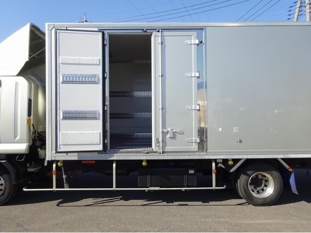 低温冷凍車 -30℃設定 左両開観音扉 リアエアサス ワイド ベッド付 2750kg積み 240馬力(18枚目)