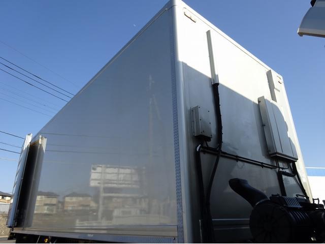 低温冷凍車 -30℃設定 左両開観音扉 リアエアサス ワイド ベッド付 2750kg積み 240馬力(31枚目)