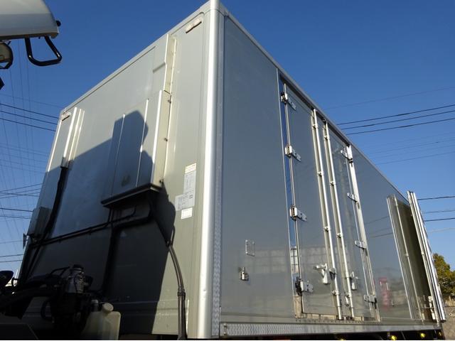 低温冷凍車 -30℃設定 左両開観音扉 リアエアサス ワイド ベッド付 2750kg積み 240馬力(32枚目)