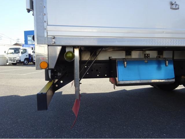 低温冷凍車 -30℃設定 左両開観音扉 リアエアサス ワイド ベッド付 2750kg積み 240馬力(36枚目)