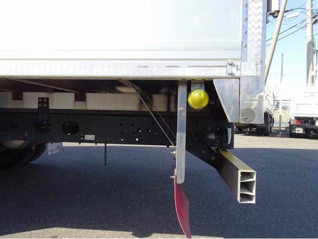 低温冷凍車 -30℃設定 左両開観音扉 リアエアサス ワイド ベッド付 2750kg積み 240馬力(37枚目)