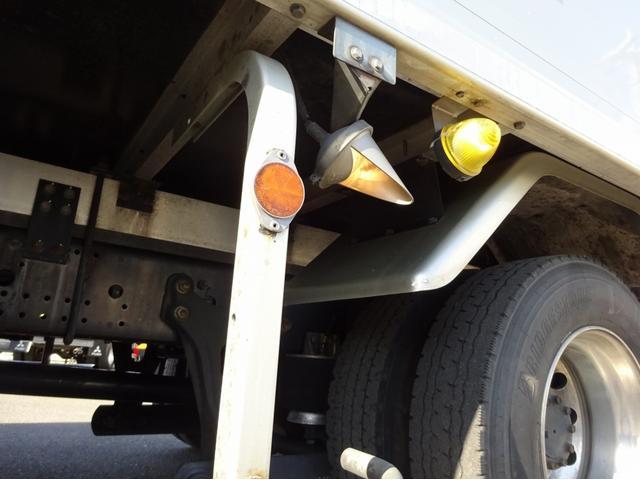 低温冷凍車 -30℃設定 左両開観音扉 リアエアサス ワイド ベッド付 2750kg積み 240馬力(39枚目)