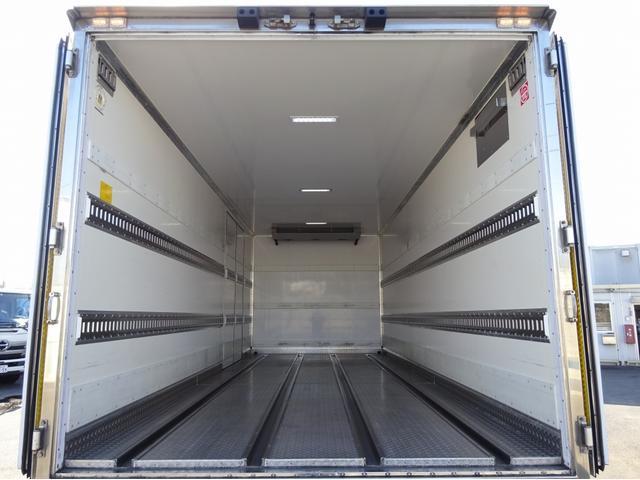 低温冷凍車 -30℃設定 左両開観音扉 リアエアサス ワイド ベッド付 2750kg積み 240馬力(44枚目)